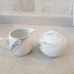⭐Vintage⭐Sugar and Milk holders
